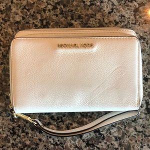 NWOT Michael Kors wristlet wallet